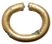 http://www.ancientresource.com/images/egyptian/artifacts-egyptian/roman-egypt-gold-ring-AE2039b.jpg
